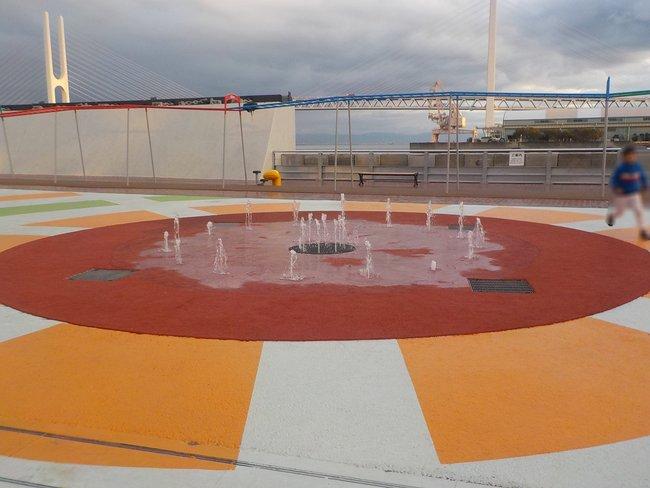 親水型水景設備 サンシャインワーフ神戸