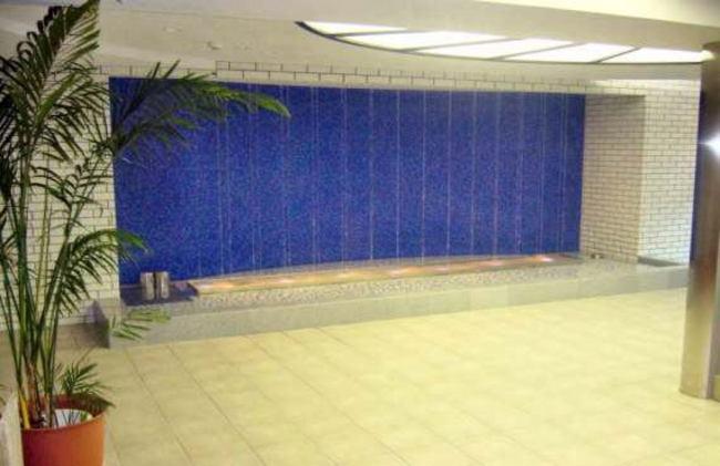 マンションのエントランスの噴水