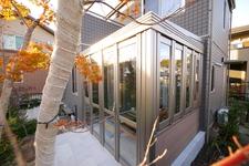 我が家に憩 庭空間にガーデンルームがある 岡山市
