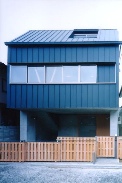 尼崎市住宅   1階RC  2階3階木造