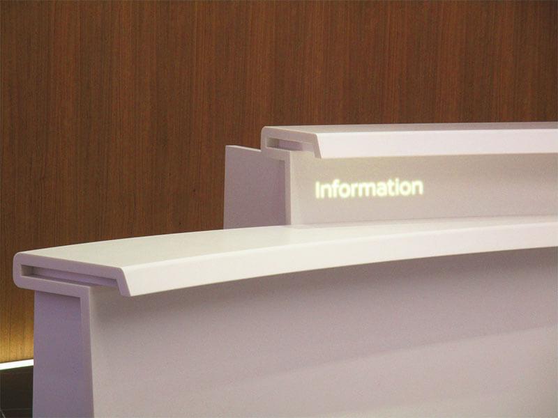 受付の壁紙を事業内容に関係するものに変えたい