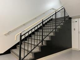 階段手摺、ハンドレール、ノンスリップ B1~屋上まで