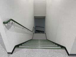 階段手摺(ハンドレール)、ノンスリップ金物