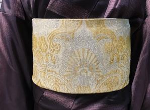 2018年10月20日からスタートする椎名林檎さんのデビュー20周年記念のアリーナツアー 「(生)林檎博'18 -不惑の余裕-」のグッズ製作に携わらせて頂きました。2