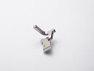熱間鍛造-冷間プレス成形-外形バリ抜き-M/Cによる切削加工-プレス曲げ