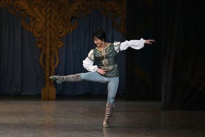 ロミオとジュリエット【全幕】 ベンボーリオ サイズ:M×1 ¥8,000- ブーツとタイツもあります。 マキューシオとデザイン違い