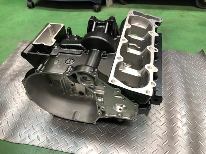 ZRX1200R クランクケース     半艶ブラック             参考価格¥36000円~