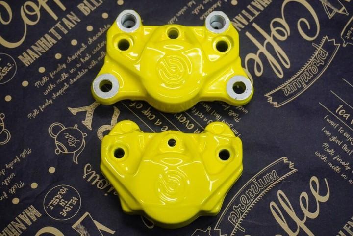 brembo 2POTキャリパー 蛍光イエロー 参考価格¥15000~
