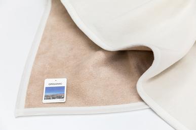 オーガニックベビー 綿毛布(MO110)  オフホワイト&  ベージュ色     リバーシブル2