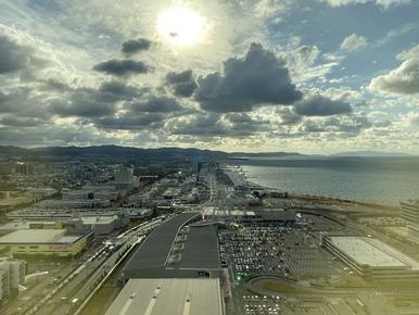 空、雲、観覧車